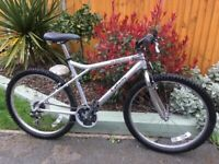 Men's mountain bike good condition hardly been used 18 speed gears working good breaks and tires