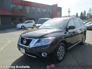 2015 Nissan Pathfinder SV 4WD. local/no accidents