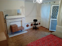 (rs) BRIGHT AND HUGE DOUBLE ROOM WITH BALCONY