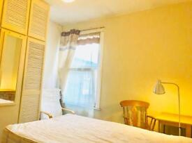 Great size double room in BROCKLEY 15 min from London Bridge