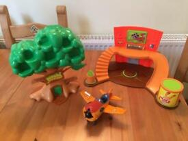 Moshi Monster Tree and super Moshi HQ