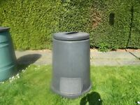 COMPOST BIN WITH LID - IN GOOD CONDITION - NOT NEEDED ANYMORE