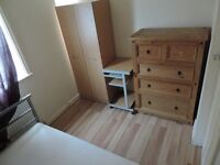 STOP HIRE NICE ROOM Single rooms, 200/230 xmonth all in, internet, cleaning and gardening, no bond.