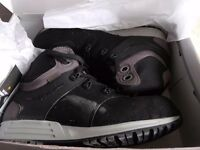 BNIB size 9 safety boots