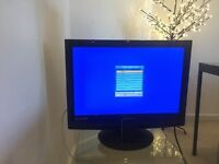 """22"""" TV/IPOD/DVD vgc £65ono can be seen working."""