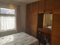 Spacious 3 Bedroom House with 2 Receptions: SevenKings High School Catchment Area
