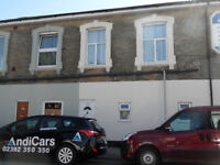 2 double bedroom flat located in Albert Road, Southsea ,PO4 available 1st July