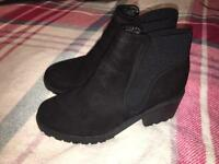 New Look black suede boots size 6