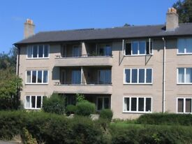 Unfurnished, sunny two bed flat, quiet location North Oxford suit non-smoking professional/s