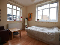 *PERFECT 4 STUDENTS**Large 1/2 bed flat set 30 seconds from Mornington Crescent & CAmden High Street