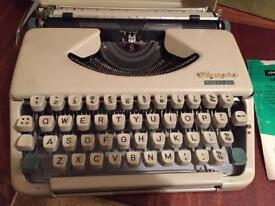 Vintage Type Writer. Olympia splendid 66