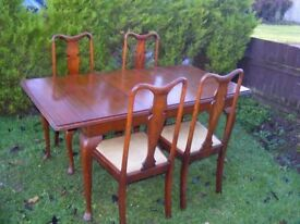 CAN DELIVER - DINING TABLE + 4 CHAIRS IN GOOD CONDITION