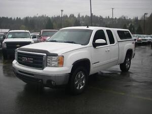 2009 GMC Sierra 1500 SLT Z71 Ext. Cab Standard Box 4WD with Cano