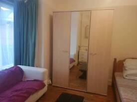 Twin bedroom to rent