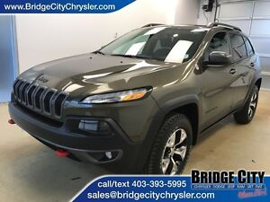 2015 Jeep Cherokee Trailhawk- V6, Heated Seats, NAV!