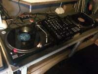 Technics 1210 & Behringer Mixer