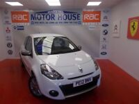 Renault Clio DYNAMIQUE TOMTOM 16V(SAT NAV) FREE MOT'S AS LONG AS YOU OWN THE CAR!!! (white) 2012
