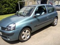 RENAULT CLIO 1-2 EXTREME 16v 3-DOOR 2002. NOVEMBER 19th 2016 MOT WITH NO ADVISORIES.