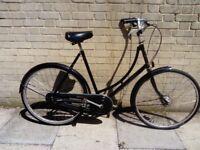 Prestigious PASHLEY 3 Speed Size 22 (L) Ladies Dutch Bike in Perfect Order