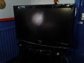 """Samsung 40"""" LCD TV. Excellent condition"""