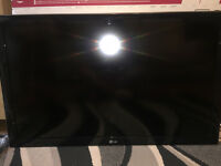 LG 42 inch Full HD LCD TV with 100Hz (MCI) and freeview HD