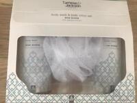 Temese & Jackson body wash & body lotion set