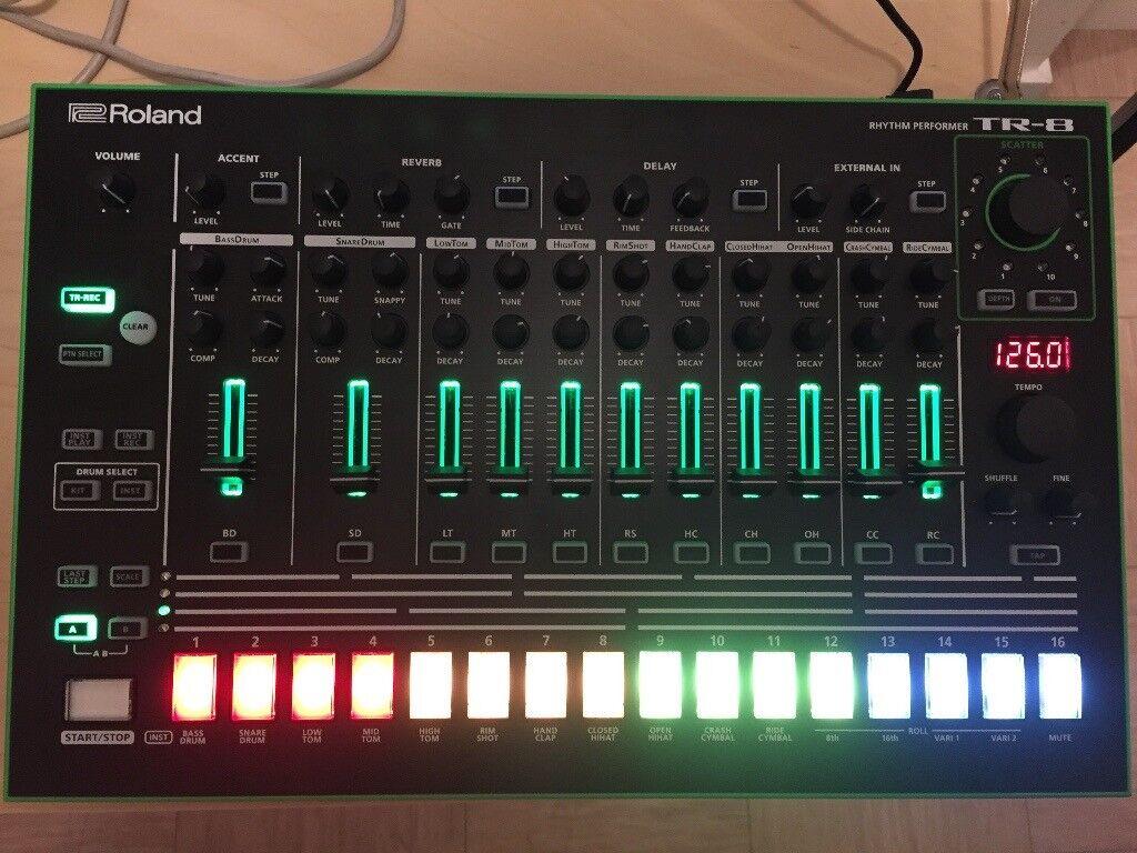 Roland Aira TR-8 Drum Machine / Rhythm Performer - As New (TR8)
