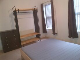 Furnished Double Room - Erdington High Street - Modern House - Bills/WiFi included