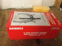 Kennedy 3 jaw double ended mechanical puller