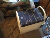 Lloyd loom storage seat****REDUCED****