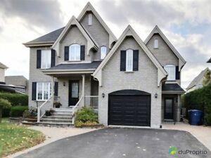 559 900$ - Maison 2 étages à vendre à Ste-Julie