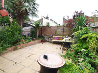 Beautiful 4 Double Bed House With Garden Located in The Heart Of Finsbury Park & Close to FP Tube