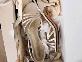 Sized 6 wedding shoes