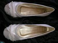 Ivory bridesmaids shoes 3 pairs brand new size 6 and 7