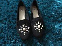2 pairs shoes. 1 black pair 1 blue pair new