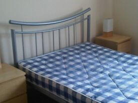 room to rent double in central milton keynes 5 mins walk to city centre £425 a month