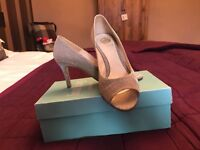 *Excellent condition* Lisa Kay shoes and handbag