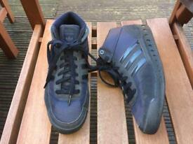 Men's size 10 Adidas trainers