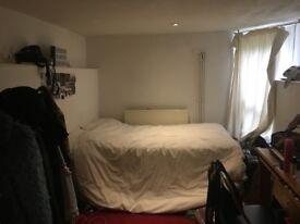 Bedsit style room in Stoke Newington