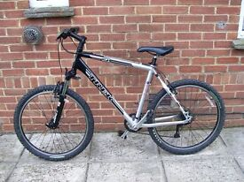 TREK SERIES 4 MANS MOUNTAIN BIKE
