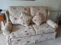 Lovely 3 peice suite for sale