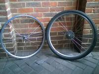 Pair of 700cc / 28 inch road bike wheels
