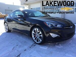 2015 Hyundai Genesis Coupe 3.8 (Back Up Camera, Nav)