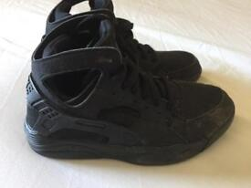 Nike hurache trainers/boots size 5