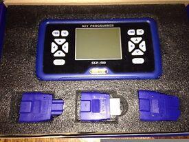 SuperOBD SKP-900 V3.9 Key Programmer Hand-held OBD2 SKP900 Auto Key Programmer