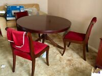 Mahogany Extendable Dining table and 4 Chairs £100