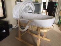 Lovely Winnie the Pooh Moses basket and rocking stand
