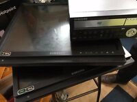 "Samsung CCTV Kit - SRD 470d DVR and 2 x SMT-1922 19"" screens"