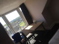 Two bed rooms flat to share near to UWS Paisley
