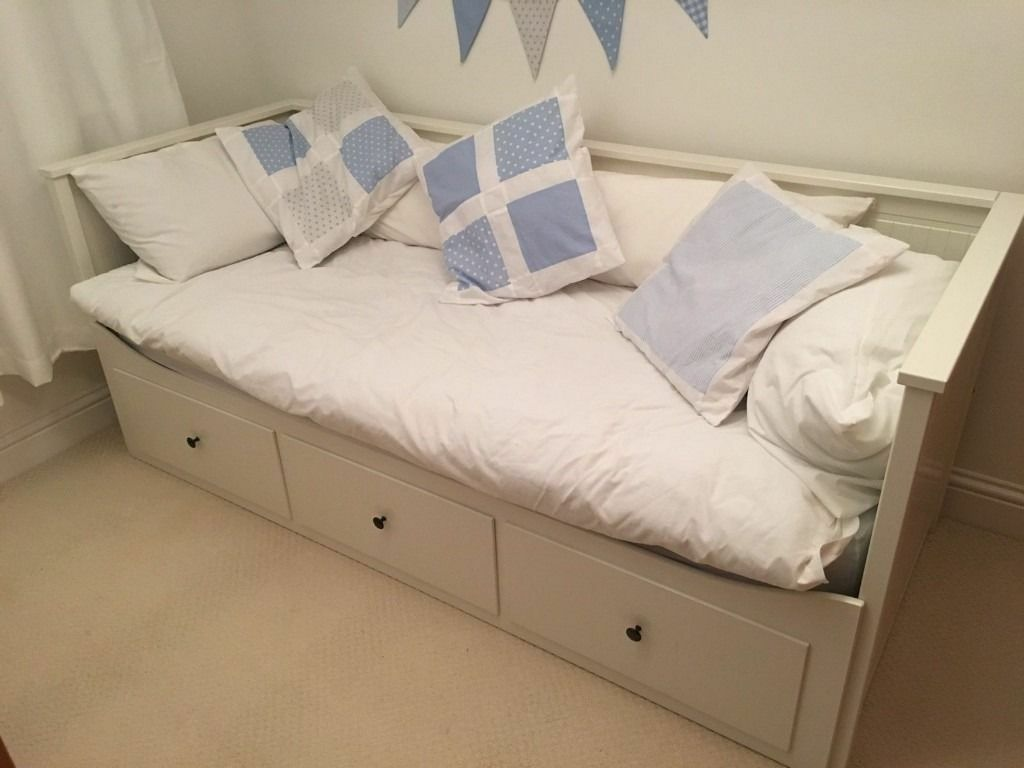white ikea hemnes extendable day bed with 3 drawers with 1 double